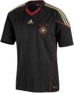 schwarzes-deutschlandtrikot-2010-240x300