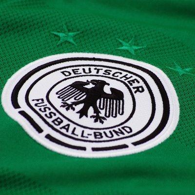 grünes-deutschland-trikot