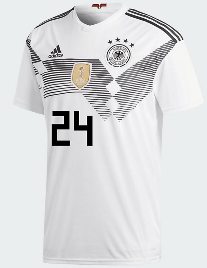 Leroy Sané zuletzt im DFB Trikot mit der Nummer 24.