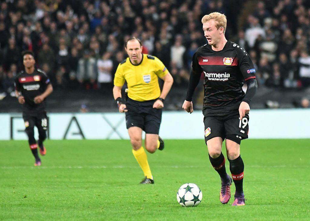 Julian Brandt mit der Nummer 19 auf dem Bayer 04 Leverkusen Trikot (Foto shutterstock)