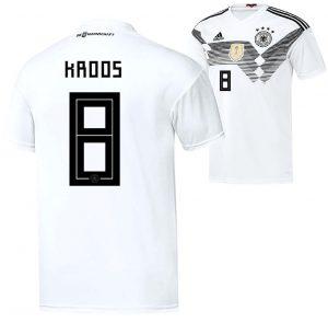 Toni Kroos trägt die Nummer 8 auf dem Rücken