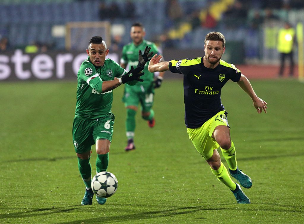 Shkodran Mustafi im Trikot des FC Arsenal (Foto Shutterstock)