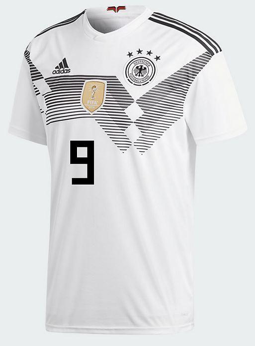 Das DFB Trikot von Sandro Wagner mit der Nummer 9 auf dem Rücken.