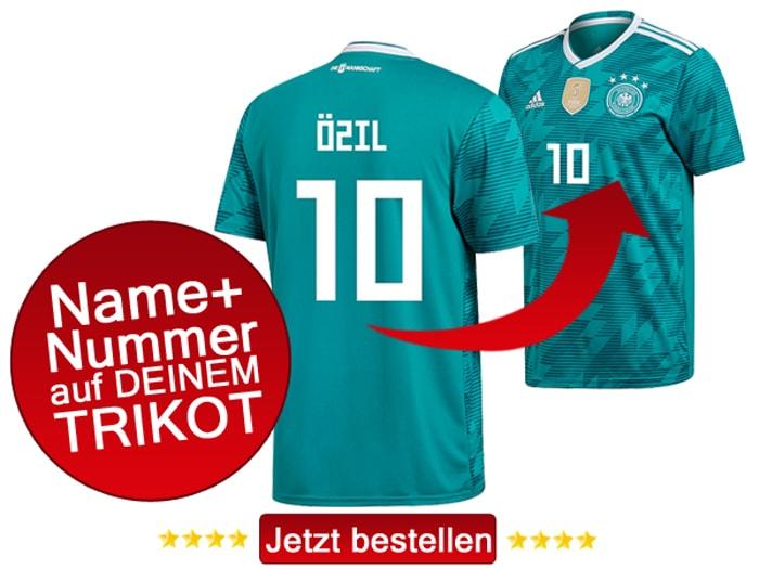 Das neue grüne Awaytrikot 2018 von adidas, hier mit Beflockung von Mesut Özil mit der Rückennummer 10.